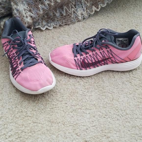 super popular 8a0be aa7f8 Women s Nike Lunarlon Flywire Size 9.5. M 5a43d44a5512fd2a9f094ea0